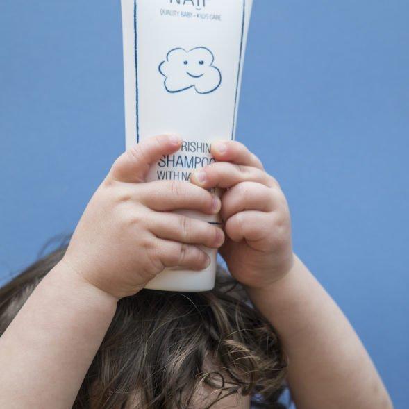NAÏF niisutav šampoon puuvillaseemne ekstraktiga-02